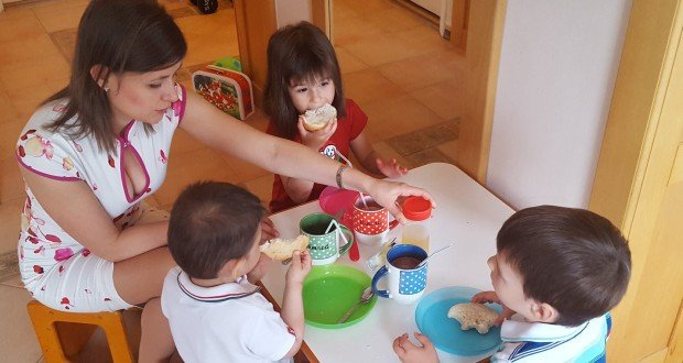 Duro_Dora-gyerekeivel