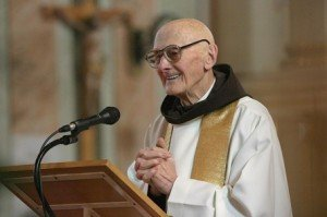 Ismét magyar állampolgár lett a 92 éves Ervin atya