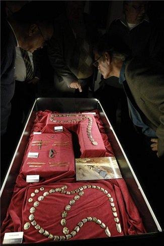 Árpád népe - Gyula népe címmel nyílt új időszaki vándorkiállításon, a szolnoki Damjanich János Múzeumban, 2013. november 20-án. MTI Fotó: Bugány János