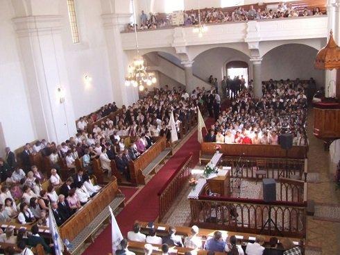 Kárpátalja – Újabb magyar segítség: a Beregszászi Református Templom adományt gyűjt