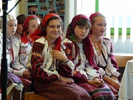 Székelyföld – Uniós támogatással indított magyar oktatási programot a Moldvai Csángómagyarok Szövetsége