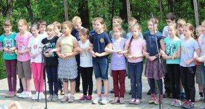 350 gyermek vett részt a Madarak és Fák Napja alkalmából rendezett Második Dalostalálkozón