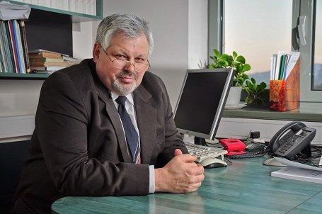 Erdély – A Sapientia Magyar Tudományegyetem belső választásán Dávid Lászlót választották további négy évre az egyetem rektorává
