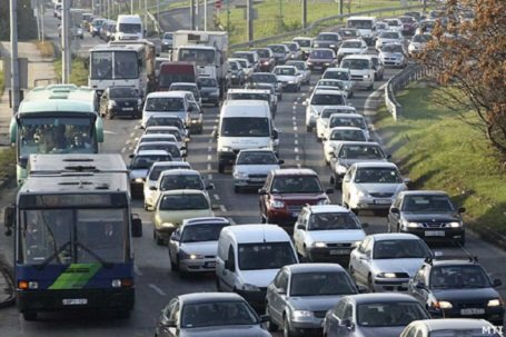 Ha a földön nem megy, majd megoldják a levegőben – Lehet hogy így hatékonyabb a tömegközlekedés?