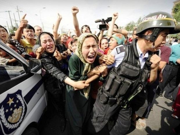 Kína erőszak politikájának köszönhetően, szinte naponta esnek ujgurok áldozatul a hatalom kiszolgálóinak