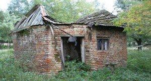 Szabadesés: Rejtélyes fenevad búvóhelye Komlósiárokpusztán