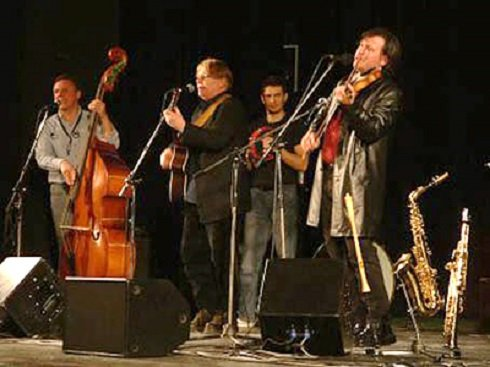Idén harmincéves Ghymes együttes – Folklórprogramok és Ghymes-koncert a tamási Trófea fesztiválon