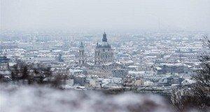 Fehérbe öltözött Budapest