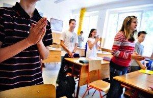 Megoldatlan kérdések az iskolai hittanórák megszervezésével kapcsolatosan