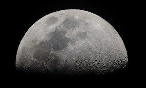 A Hold ragyogásának árnyoldala