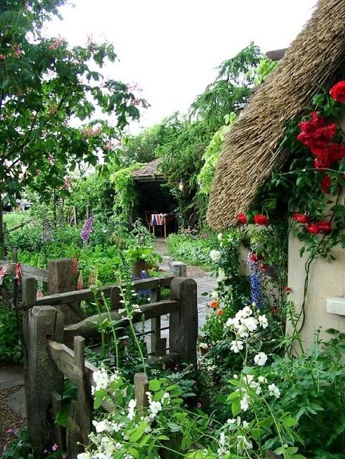 Otthoni vakáció a kertben