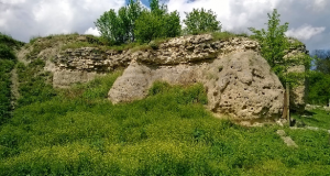 Délvidék- Keve vára romjai