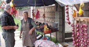 Erdély- Rendőrileg betilthatják a kibédi hagyma árusítást a kapukban