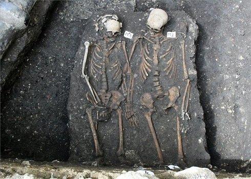 """Kolozsvári """"Rómeó és Júlia"""" csontvázát ásták ki a régészek"""