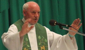 Kozma Imre atya pappá szentelésének 50. évfordulóját ünneplik a Pesti Ferences Templomban