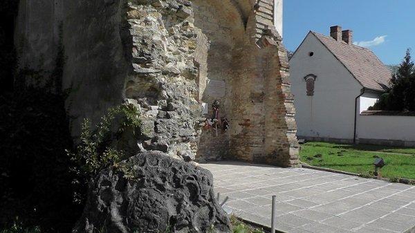 2014. 09. 28. - A templom bejárata - Fotó: Magyar Nő Magazin