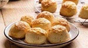 Muffin helyett füstölt sajtos juhtúrós pogácsa