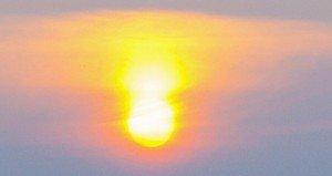 Napfelkelte, különös égi jelenséggel