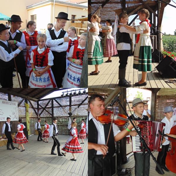 2014. július 13. Ópályi - Néptánc csoportok és zenészek a színpadon - Fotó: Magyar Nő Magazin