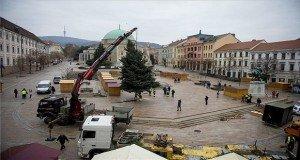 Felállították Pécs karácsonyfáját