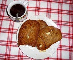 Reggelire müzli helyett fokhagymás pirítós, citromos teával