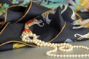 A selyemsál és a gyöngyök találkozása