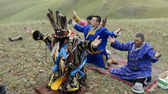 Mongolia's shaman - video
