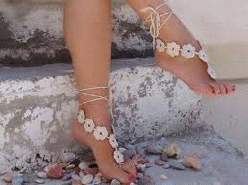 Kézzel díszített láb ék