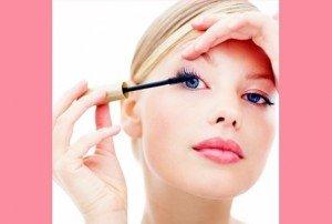 Új trend: sminkeléssel a szemgyulladás ellen