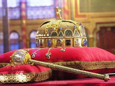 """""""Együtt az ország"""" helyett """"Együtt a nemzet"""" – Szent István ünnepe Marosvásárhelyen is"""