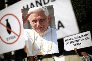 XVI. Benedek volt pápa Szíriáért imádkozik és böjtöl