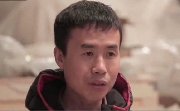 Li Hongbo, kínai szobrászművész