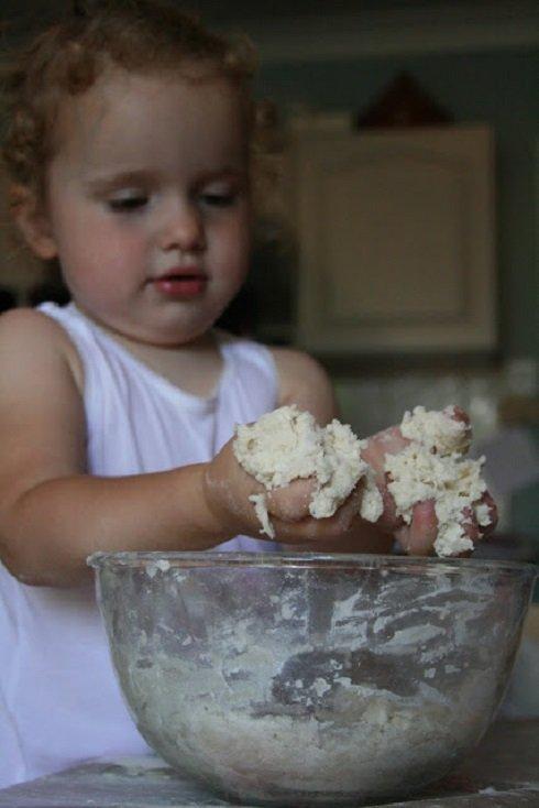 Figyeljetek apukák! Ajándék Anyák Napjára – Talplenyomat só-liszt sütőgyurmából