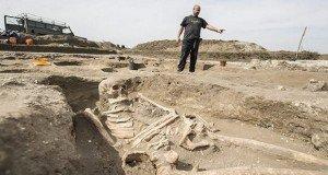 Árpád-kori templom és temető maradványait tárták fel