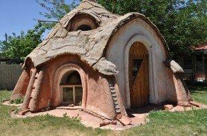 Őseink nyomában – Vissza a vályogszerkezetű házakhoz – Szupervályog és társai – Kiút az építőipar apátiájából!