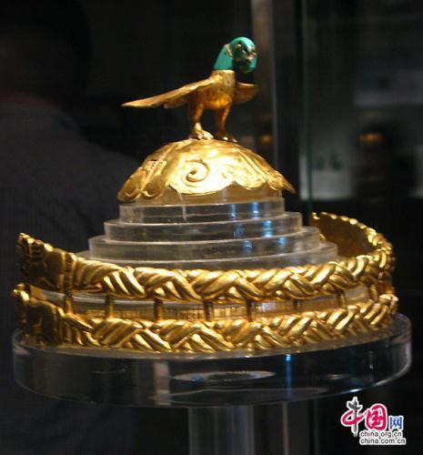 A pekingi kiállítás egyik féltve őrzött darabja a hun aranykorona