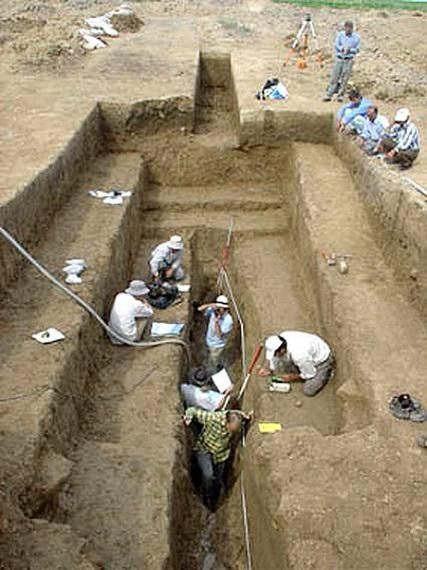 A Gorgani Fal ásatási munkálatai. A legutóbbi expedíció során 2007-2008-ban történtek munkálatok, amelyekben iráni-brit kutatók vettek részt.