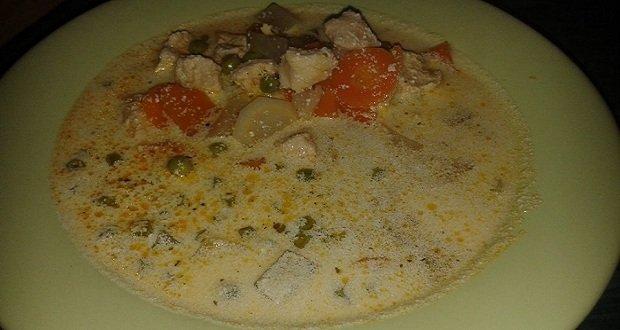 tejfolos-csirkeragu-leves
